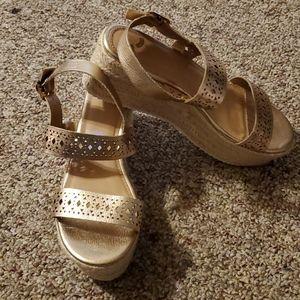 Report Gold Espadrille Platform Sandals Sz 8.5